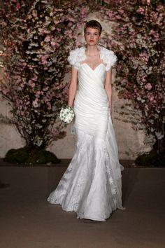 Oscar de la Renta style 33N25. Oscar de la Renta gowns are sold at The Bridal Salon at Saks Jandel.