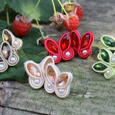 Jewelry Tools, Diy Jewelry, Jewelry Design, Jewelry Making, Soutache Jewelry, Beaded Earrings, Beaded Jewelry, Silk Bangles, Homemade Jewelry