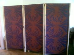 The other side of my room-divider.  Thought it would be a good idea to give it two different designs on each side.  The stencil was also quite easy to make.