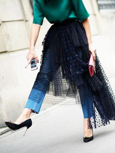 Hot or not: De tule rok Street Style Chic, Street Style Outfits, Street Style Shoes, Mode Outfits, Fashion Outfits, Womens Fashion, Fashion Tips, Fashion Trends, Casual Outfits