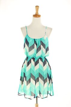 100% POLYESTER Dresses, Clothing Chevron