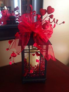 100 Adorable DIY Valentine's Day Decor Ideas that'll Make your Home Look Cute & . : 100 Adorable DIY Valentine's Day Decor Ideas that'll Make your Home Look Cute & Romantic – Hike n Dip Valentines Day Dinner, Valentine Day Wreaths, Valentines Day Decorations, Valentine Day Crafts, Holiday Crafts, Holiday Fun, Valentine Day Love, Valentine Ideas, Valentine Nails
