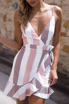 Gaovot 2018 Summer Women Boho Beach Mini Dress Deep V Neck Spaghetti Strap Backless Ruffles Sexy Lace Up Dresses Vestidos S-XL Cute Dresses, Casual Dresses, Casual Outfits, Casual Wear, Mini Dresses, Casual Tie, Wrap Dresses, Dresses Dresses, Floral Dresses