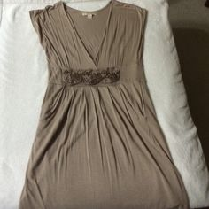 Forever 21 vNeck taupe dress front floral detail Super cute and comfy taupe vNeck dress. Could be casual or dressed up. Worn once, like new. Forever 21 Dresses