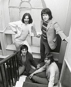 The Kinks Waterloo Sunset, Ray Davies, Jarvis Cocker, Hippie Music, The Kinks, Damon Albarn, Amazing Songs, Jay Z, New Artists