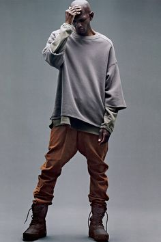 Kanye West x adidas Originals YEEZY Season 1 'SENSE' Editorial Including Pricing: Check out this editorial, including pricing for YEEZY Season Yeezy Outfit, Streetwear Mode, Streetwear Fashion, Casual Street Style, Urban Fashion, Men's Fashion, Fashion Design, Kanye West Adidas Yeezy, Yeezus Kanye