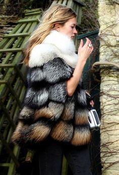 abrigo piel multicolor kate moss invitada invierno