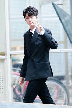 Wanna-One - Ong Seongwoo Cho Chang, Ong Seung Woo, Ha Sungwoon, Kim Jaehwan, Seong, 3 In One, Lady And Gentlemen, Kpop Boy, No One Loves Me