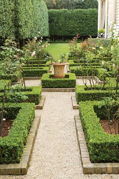 Grown Home Grown New Orleans Homes & Lifestyles Spring 2018 New Orleans LA The post Home Grown appeared first on Garden Diy. Formal Garden Design, Garden Landscape Design, French Formal Garden, French Garden Ideas, Rose Garden Design, Back Gardens, Small Gardens, Grey Gardens, Formal Gardens