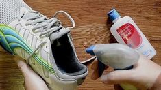 Removes Stinky Smells Spray stinky shoes or other smelly items with some rubbing alcohol, and let them dry in a sunny spot to get rid of the smell. 40 Uses For Rubbing Alcohol In The House House Cleaning Tips, Diy Cleaning Products, Cleaning Solutions, Cleaning Hacks, Rubbing Alcohol Uses, Stinky Shoes, How To Stretch Shoes, Clean Dishwasher, Clean Microfiber