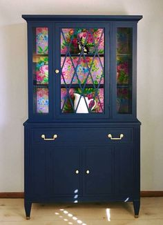 I absolutely LOVE navy and pink! And this just might be my new favorite! The clean classic lines of this Mid Century china cabinet… Diy Furniture Renovation, Refurbished Furniture, Paint Furniture, Repurposed Furniture, Furniture Projects, Furniture Making, Furniture Makeover, Home Furniture, Modern Furniture