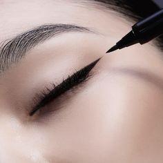 SON & PARK True Black Eye Pen Liner – Soko Glam
