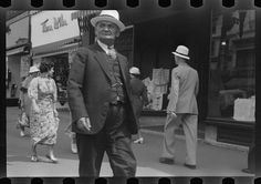 Edwin Locke. Untitled photo, possibly related to: Street scene, Manchester, New Hampshire. 1937 Sept. Library of Congress Prints and Photographs Division.