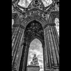 The #ScottMonument is a Victorian Gothic monument to Scottish author #SirWalterScott . It is the largest monument to a writer in the world. The tower is 200 feet 6 inches (61.11 m) high and has a series of viewing platforms reached by a series of narrow spiral staircases giving panoramic views of central Edinburgh and its surroundings. #Edinburgh #Amazing #City #Historical #FromAntiquity #Ancient #Clouds #instagram #CenturiesOld #Scotland #Explore #Travel #TravelPics #Photography #monochrome…