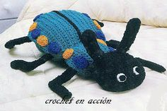 Beetle, found on : http://crochetenaccion.blogspot.it/2011/12/el-escarabajo.html