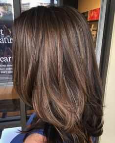 Diversity of Medium Layered Haircuts Are Stylish Every Day - Page 9 of 15 - Dazhimen Haircuts For Medium Hair, Medium Hair Styles, Curly Hair Styles, Layered Haircuts, Brown Hair Balayage, Hair Highlights, Partial Highlights, Color Highlights, Brunette Hair