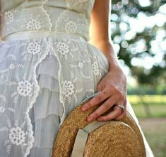 Style it Romantic~ love the lace! Pretty Dresses, Beautiful Dresses, Beautiful Clothes, Lace Skirt, Lace Dress, Frederique, Country Dresses, Linens And Lace, Southern Belle
