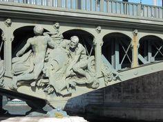 Détail d'un pont de Paris Pont Paris, Mount Rushmore, Statue, Mountains, Art, Art Background, Kunst, Gcse Art, Sculptures