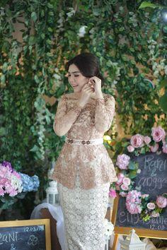 Kebaya Lace, Kebaya Hijab, Kebaya Brokat, Batik Kebaya, Kebaya Dress, Kebaya Muslim, Dress Brokat Modern, Kebaya Modern Dress, Model Kebaya Modern
