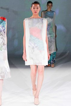 SPRING 2013 READY-TO-WEAR  Chalayan