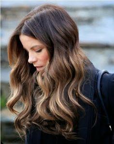 G.ECE.D: doğal dalgalı saç modelleri
