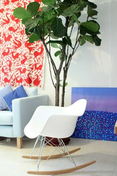 Eames Rocker, Fiddle Leaf tree, Art leaning against a wall, (Just enough) colour Eames Rocker, Indoor Tropical Plants, Fiddle Leaf Tree, Amazing Decor, Cool Chairs, Home And Living, Living Room, Surface Design, Interior Design