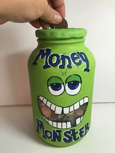61 Best DIY Projects For Kids 61 Best DIY Projects For Kids The post 61 Best DIY Projects For Kids appeared first on Spardose ideen. Mason Jar Crafts, Bottle Crafts, Mason Jar Bank, Mason Jars, Pot Mason Diy, Personalized Piggy Bank, Savings Jar, Money Jars, Popsicle Stick Crafts