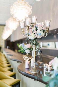 Alte Romantik & moderne Liebe in Pastell DIE HOCHZEITSFOTOGRAFEN http://www.hochzeitswahn.de/inspirationsideen/alte-romantik-moderne-liebe-in-pastell/ #wedding #inspiration #flowers