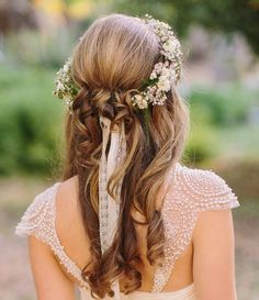 Romantic Hairstyle - 20 Gorgeous Wedding Hairstyles with Flowers - EverAfterGuide