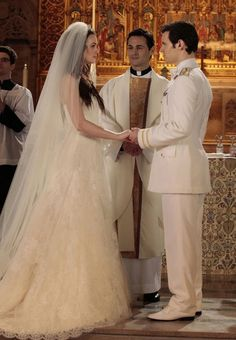 and right here is a perfect example of why I'm wearing a long veil! {Blair on Gossip Girl}