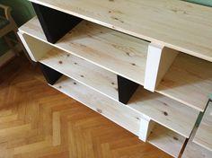 ? Materials:?7 black Lack shelves (26x30 cm), 8 pine shelves Ekby Tryggve, white pained steel legs from building market, carpet tape  Description:?1. Unpa