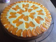 - Weiber - Kuchen Faule - Weiber - Kuchen (I don't know what this says, but it sure is pretty!)Faule - Weiber - Kuchen (I don't know what this says, but it sure is pretty! Dessert Nouvel An, Dessert Original, German Baking, Food Cakes, Cakes And More, Cake Cookies, No Bake Cake, Cake Recipes, Banana Recipes