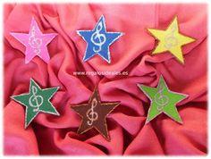 Regalos Ideales: Pinzas de fieltro estrellas de colores