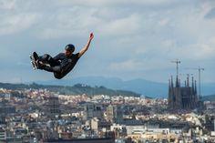 Una de las pruebas de los 'X Games Barcelona 2013', ubicada en un punto emblemático de la montaña de Montjuïc, ¡con unas vistas increíbles! #Skateboard #xGames #Barcelona. Foto de David Ramos