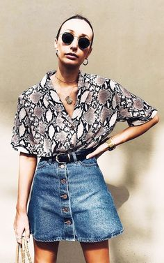 Influencers wearing high street: New Look snake print shirt Influencer in High Street: New Look-Hemd mit Schlangenmuster Animal Print Outfits, Animal Print Fashion, Fashion Prints, Animal Print Clothes, Animal Prints, Animal Print Shirts, High Street Fashion, Street Chic, Womens Fashion Online