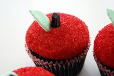 chomp chomp. apple cupcakes | Flickr - Photo Sharing!