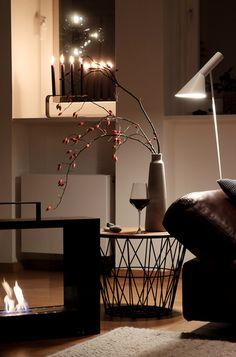 Die schönsten Wohn- und Dekoideen aus dem November | SoLebIch.de - Foto von Mitglied ernebart #solebich #interior #einrichtung #inneneinrichtung #deko #decor #wohnzimmer #wirebasket #stehleuchte #lamp #fireplace #beistelltisch #occasionaltable #lamp