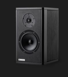 The Giglio 2-way high-end speaker by Rosso Fiorentino.