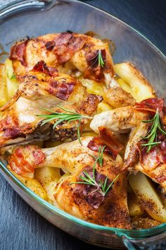 This Bacon Baked Chicken And Potatoes Is Mouthwateringly Good! Everyone Will Be Coming Back For Seconds! – 12 Tomatoes