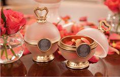 Ladurée Les Merveilleuses   powder blush in rose petal form...gorgeous!!
