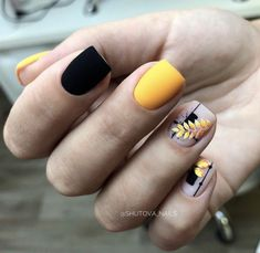 What Christmas manicure to choose for a festive mood - My Nails Love Nails, Pretty Nails, My Nails, Yellow Nails, Pink Nails, Short Square Nails, Classy Nails, Perfect Nails, Halloween Nails