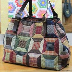 Handmade bags using patchwork technique Japanese Patchwork, Japanese Bag, Patchwork Bags, Quilted Bag, Crazy Patchwork, Bag Quilt, Purse Patterns, Fabric Bags, Tote Purse