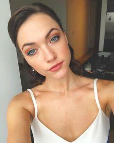 Girl Celebrities, Celebs, Violett Beane, Yulia Rose, Gorgeous Eyes, Beautiful, Sore Eyes, Hollywood Actresses, Hair Makeup