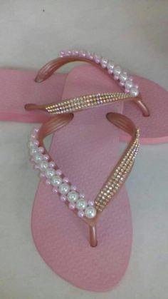 Crochet Shoes, Crochet Slippers, Bridal Shoes, Wedding Shoes, Autism Crafts, Decorating Flip Flops, Flipflops, Beaded Shoes, Shoe Crafts