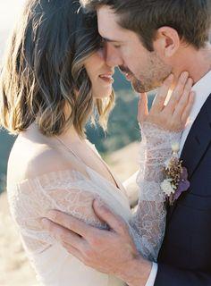 Organic luxury in this Mt. Tamalpais Elopement inspiration | San Francisco Wedding Inspiration - Photographer PINNEL PHOTOGRAPHY | Magnolia Rouge Fine Art Wedding Blog | Romantic Wedding Photos | Brides | Groom Style