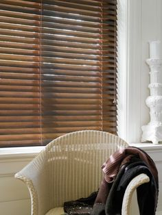 A Luxaflex classic - the breathtaking Walnut wood blind. With its soft hues, burls and distinctive colouring this makes a stunning blind at any window. #wood #walnut #blinds #luxaflex