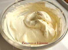 crema panna e yogurt Cheesecake Desserts, Dessert Recipes, Easy Cooking, Cooking Recipes, Sweet Light, Cake Fillings, English Food, Sweet Cakes, Coffee Cake