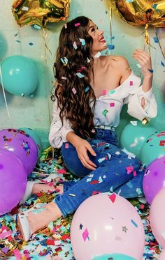 Beach Photography Poses, Birthday Photography, Photography Workshops, Creative Photography, Cute Birthday Pictures, Birthday Photos, Bio Instagram, Debut Photoshoot, Indoor Birthday