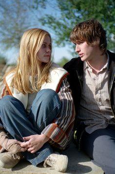 Brendan Fehr and Allison Lange in Roswell