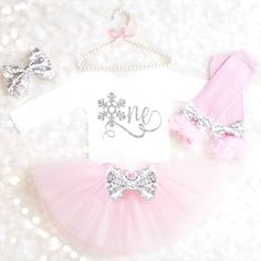 Snowflake Birthday Outfit Onederland 1st Birthday Outfit Onederland First Birthday Pink and Silver Birthday Tutu Set Winter Cake Smash 22 by KennedyClaireCouture on Etsy https://www.etsy.com/ca/listing/489485148/snowflake-birthday-outfit-onederland-1st